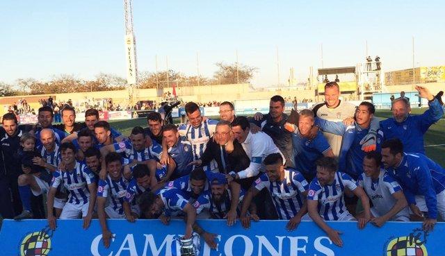 El Atlético Baleares celebra el título de Copa Federación