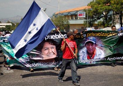Unos 500 representantes de organizaciones civiles exigen justicia por Berta Cáceres