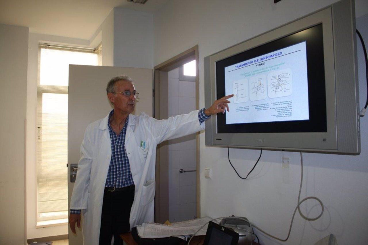 Especialista en Urología del Clínico de Málaga, Antonio Quiñonero