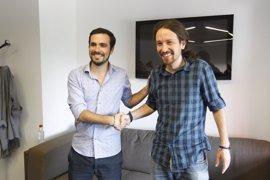"""Pablo Iglesias y Alberto Garzón han comenzado a """"explorar el terreno"""" para nuevas alianzas"""