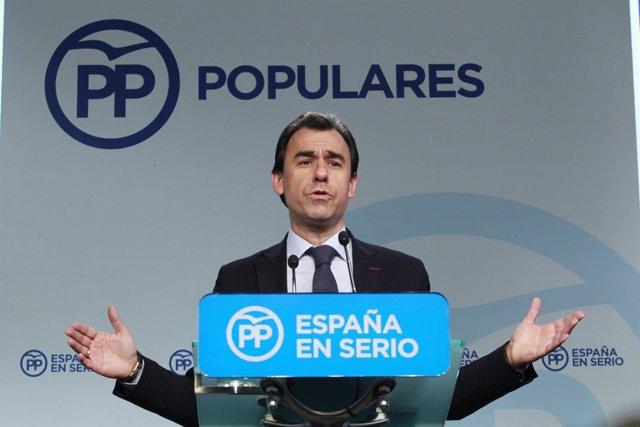 Fernando Martínez Maillo en la sede del PP