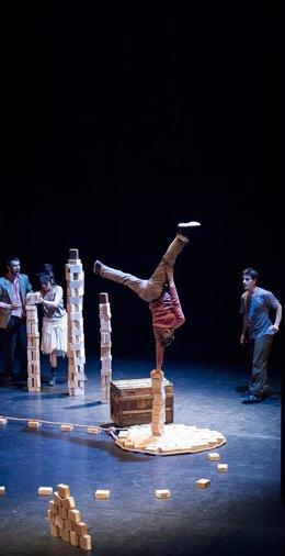 La compañía francesa de circo Lapsus