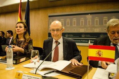 Hacienda ofrece a las CCAA negociación bilateral sobre el déficit a la espera de que Bruselas dé más tiempo