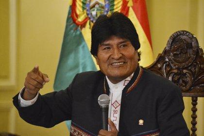 Evo Morales irrumpe en Twitter