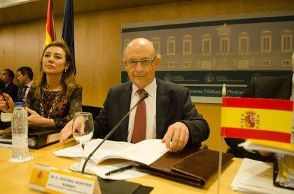 Montoro insta a las CCAA a tomar medidas de ajuste antes de pedir más flexibilidad con el déficit a Bruselas