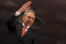 Raúl Castro expresa sus condolencias a Correa tras el terremoto en Ecuador