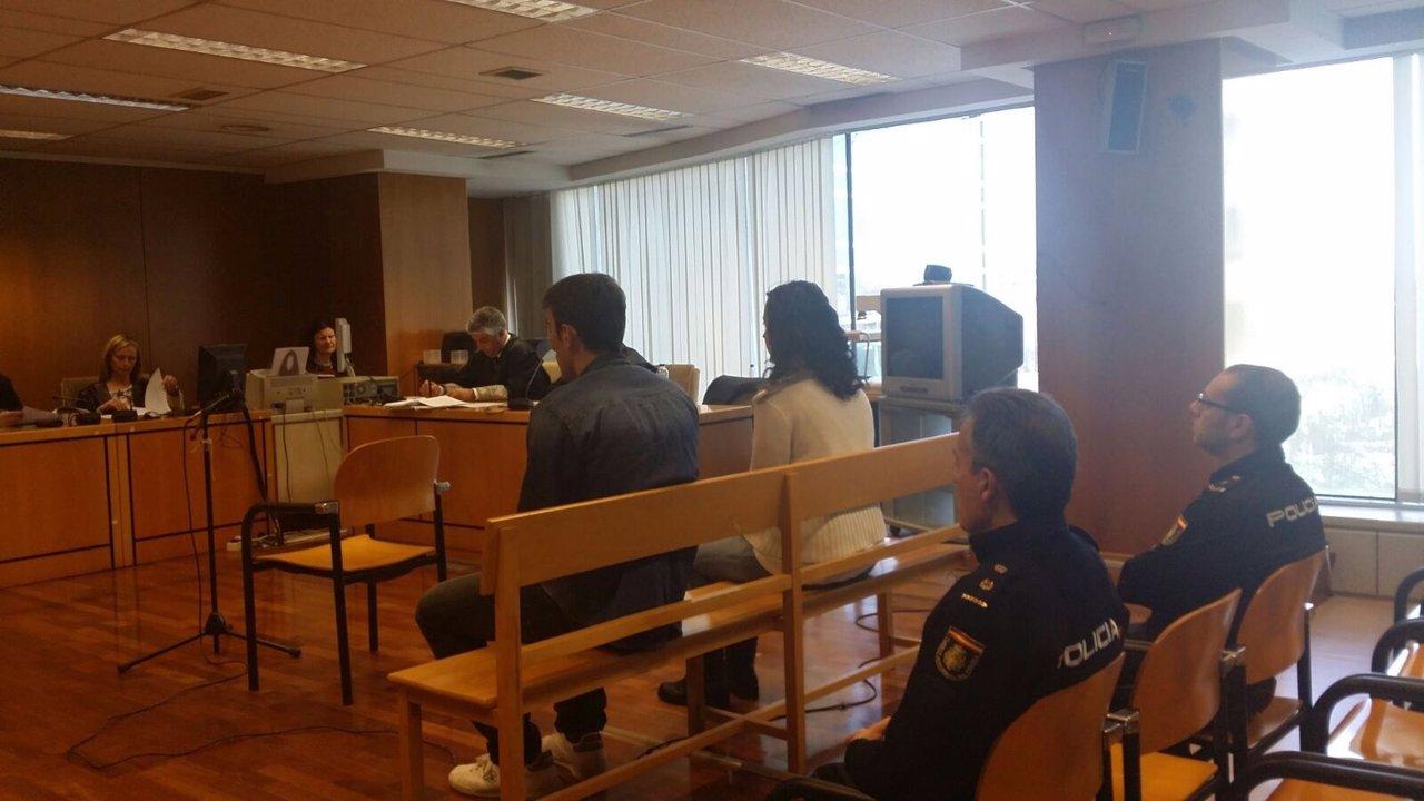 Vista oral del juicio a la fan acusada de matar a la esposa de Paco González