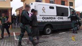 La Guardia Civil y la Policía china liberan a 29 mujeres explotadas sexualmente