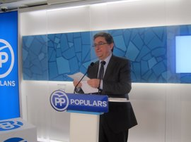 "El PP espera que Puigdemont ""no vaya a buscar el no"" de Rajoy al referéndum"