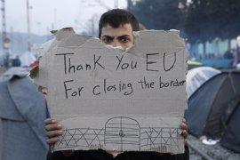 Europa debe compartir la responsabilidad de los 46.000 refugiados atrapados en Grecia