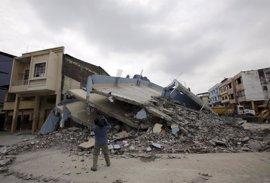 Países vecinos de Ecuador movilizan medios y ayuda para los afectados por el terremoto