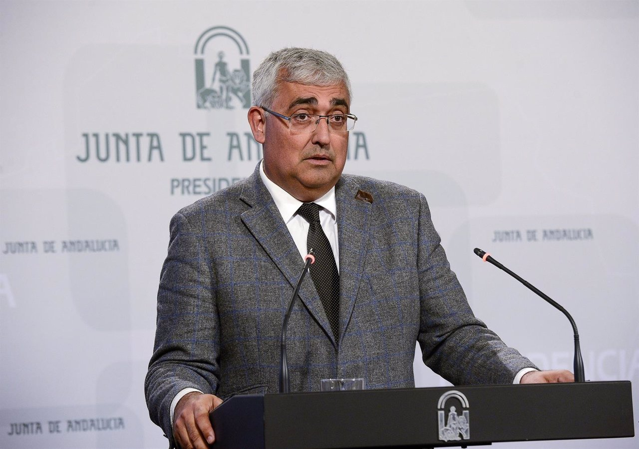 Antonio Ramírez de Arellano, consejero de Economía, en rueda de prensa
