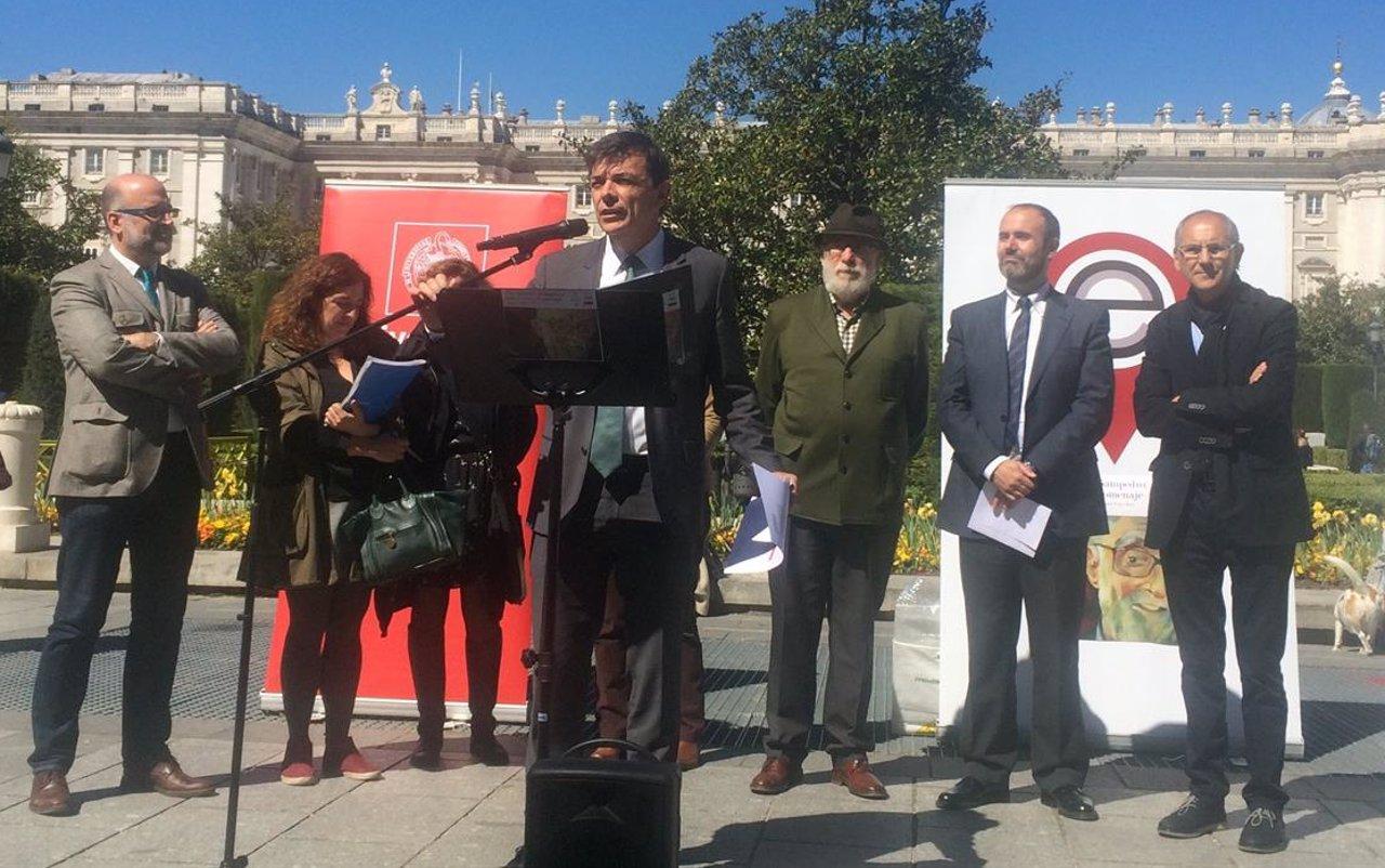 El rector de la Complutense, Carlos Andradas, en el homenaje a Sampedro.