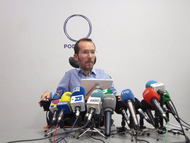 Pablo Echenique (Podemos) en rueda de prensa en Zaragoza