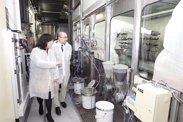 El presidente de Aragón visita la ampliación de la empresa KDK de Borja.