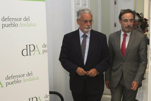 El Defensor del Pueblo andaluz junto al consejero de Fomento y Vivienda