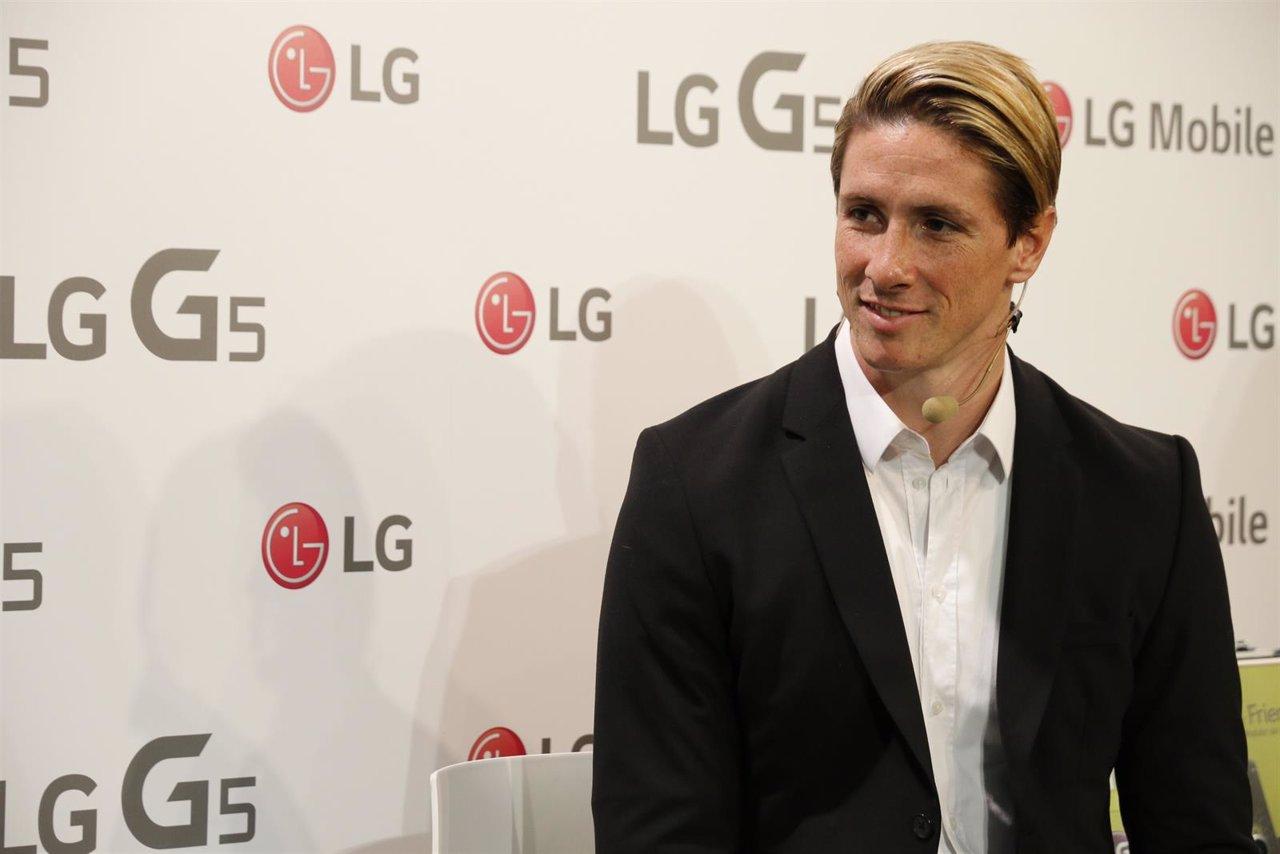 Fernando Torres en un acto de LG