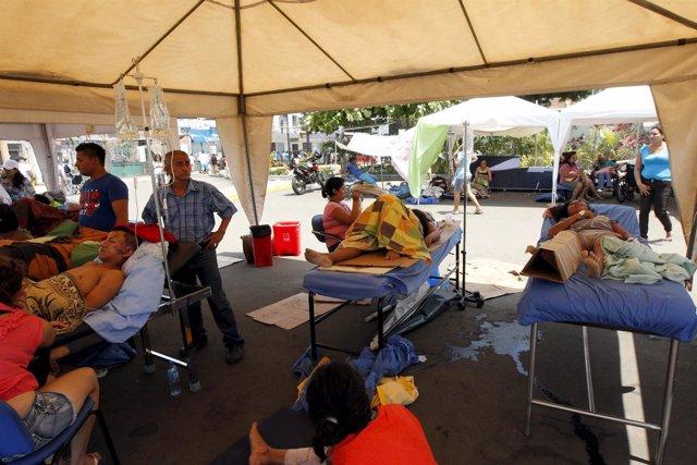 Hospital de campaña tras el terremoto en Manta (Ecuador)