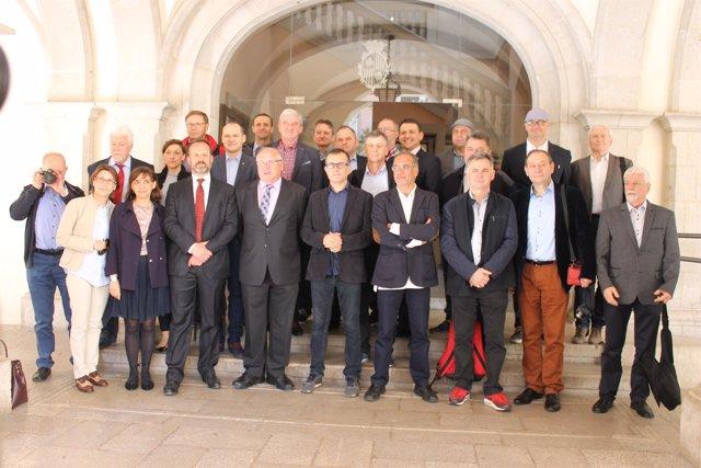Ernest Plana (Foeg) con una veintena de alcaldes polacos