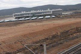 El juez ordena investigar a dos empresas por presunta falsedad y estafa en la venta del aeropuerto de Ciudad Real