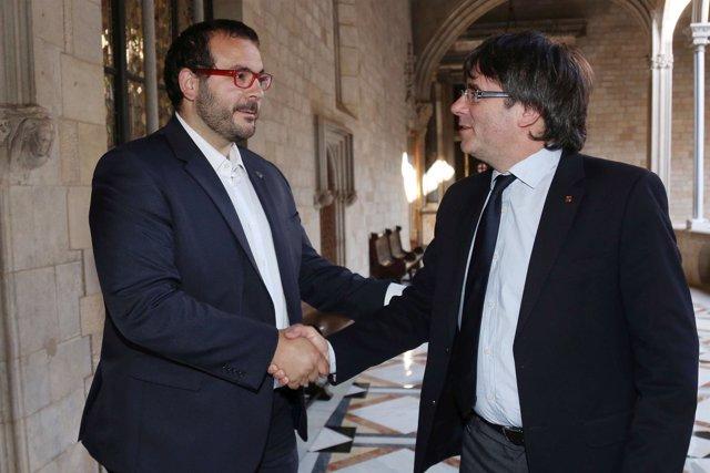 Puigdemont se reúne con el alcalde de Mataró en la Generalitat
