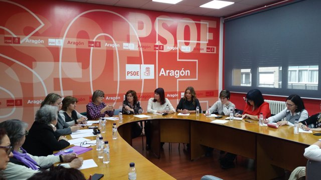 El PSOE Aragón acoge una reunión con asociaciones feministas de ámbito estatal