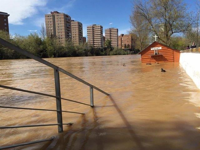 El río Pisuerga, a su paso por Valladolid el 18 de abril de 2016