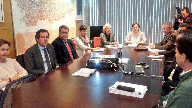 Belén Fernández presenta las conclusiones del estudio de suelos.