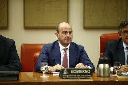 Guindos afirma que el Sepblac ha mandado a la Fiscalía más de 70 operaciones originadas