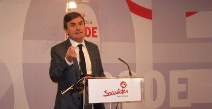 """El PSOE tacha de """"electoralista"""" pagar a los funcionarios la extra de 2012 en abril"""