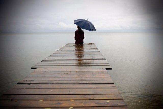 Soledad, solo, paraguas, mar, lago, embarcadero