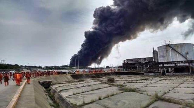 Explosión en una plataforma de PEMEX