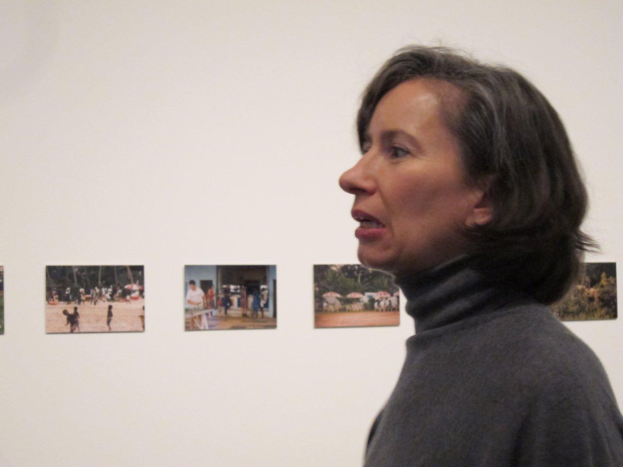 La artista Andrea Fraser en el Macba