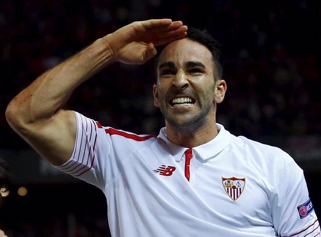 El jugador del Sevilla Adil Rami