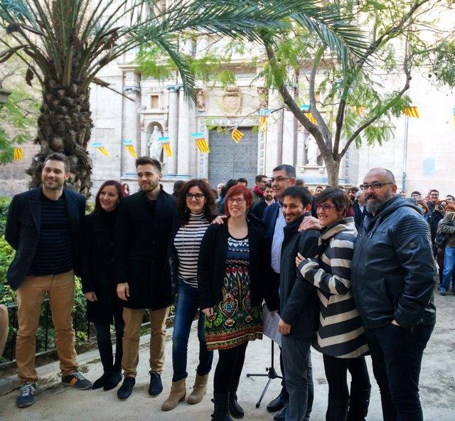 Foto de archivo de Micó con militantes del Bloc