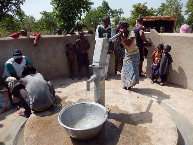 Llegada agua potable a Kara, en Togo