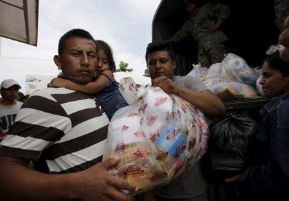 Los ecuatorianos suplican ayuda tras el devastador terremoto