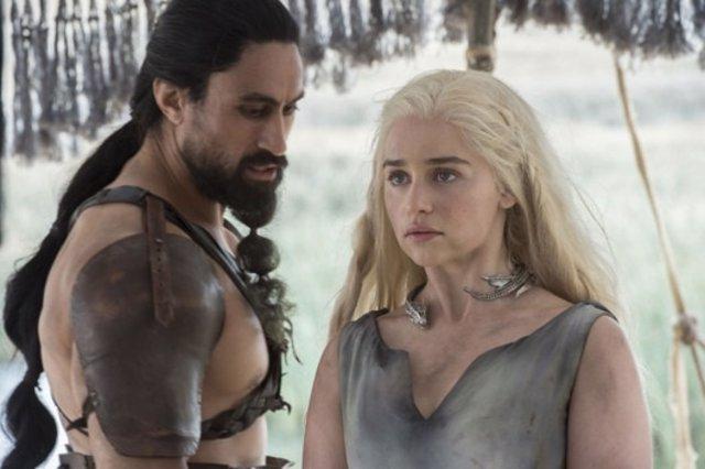 Emilia Clarke es Daenerys Targaryen en Juego de tronos