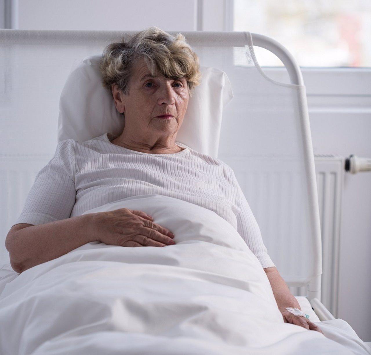 Señora, cama, hospital, catatonia, enferma