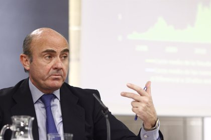 """Guindos dice que el objetivo de déficit es """"perfectamente alcanzable"""" y que Bruselas también lo cree"""