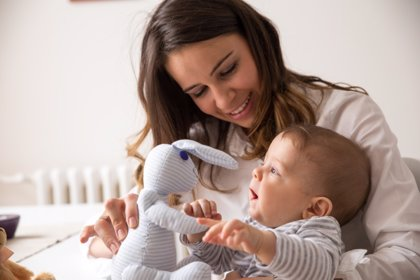 Crianza con apego: beneficios y mitos