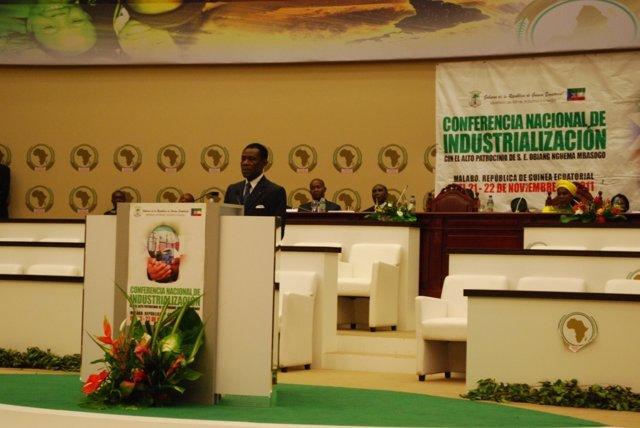 El Presidente De La República de Guínea Ecuatorial Obiang Nguema Mbasogo,  En L