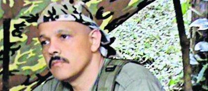 Las víctimas de 'El Paisa' exigen que el nuevo negociador de las FARC pida perdón