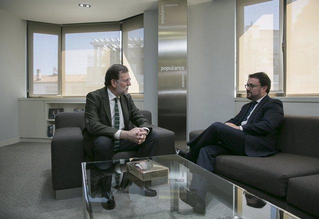 Mariano Rajoy se reúne en 'Génova' con el presidente canario, Asier Antona
