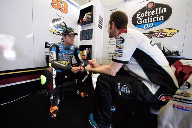 Tito Rabat en boxes en el GP de España en Jerez