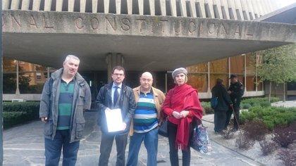La fiscal jefe del Tribunal Constitucional muestra su apoyo a los afectados de la talidomia