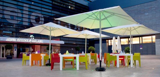 Hotel Barceló Málaga terraza establecimiento turismo turistas viajeros