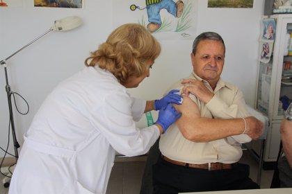 La mitad de los mayores de 65 años no hablan de vacunas con su médico