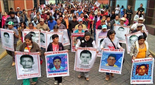 Protesta por los 43 desaparecidos en Oaxaca