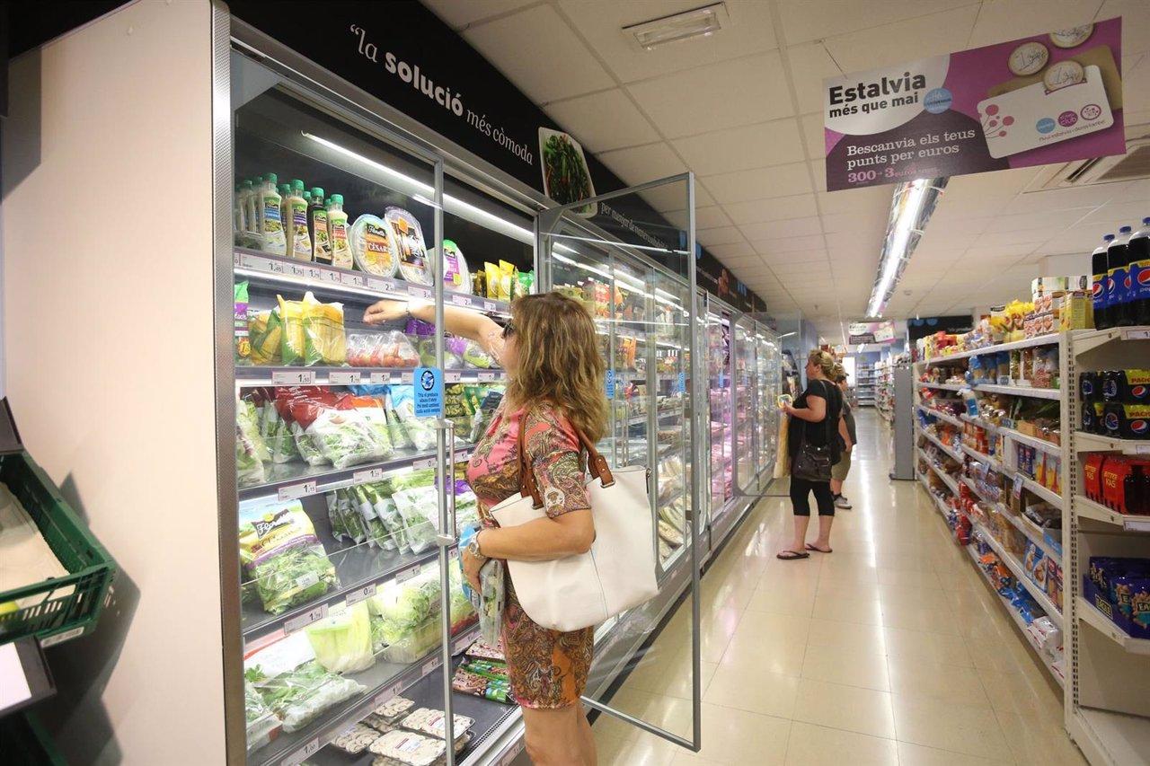 Interior de un supermercado Caprabo